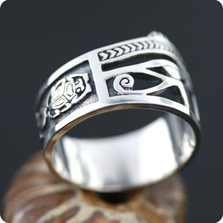 Egyptian Silver Eye of Horus UDJAT Ring